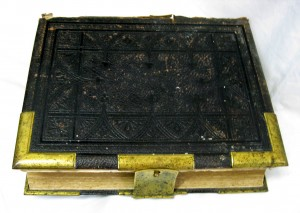 Family Bible of William Thomas - Fremantle Western Australia - dated 23 December 1878 - Image 1